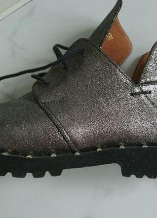 Стильные женские кожаные демисезонные ботинки