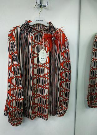 Блуза блузка под горло брошка