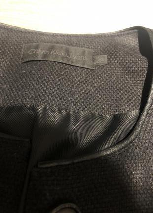 Чёрный жакет calvin klein jeans