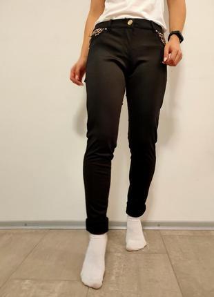 Черные брюки штаны с карманами