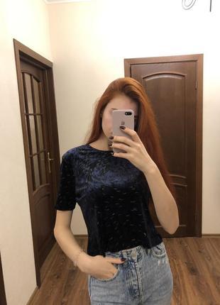 Интересная велюровая футболка темно синего цвета