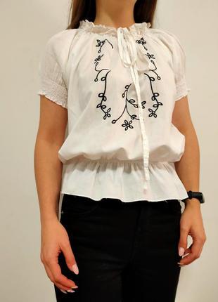 Красивая белая блузка с вышивкой вышиванка 2в1
