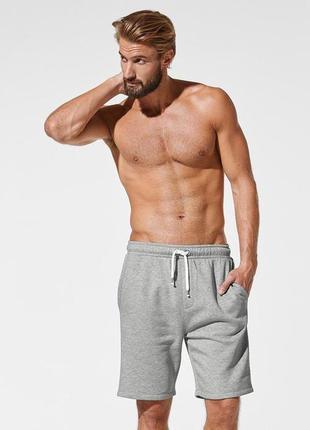 Теплые шорты на флисе в стиле casual от tcm tchibo германия