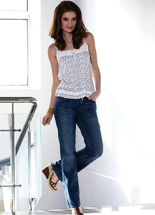 Качественные джинсы с комфортной посадкой пояс заужен