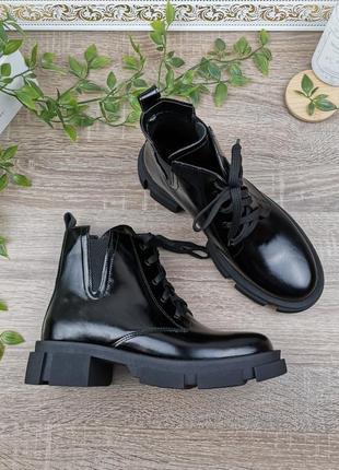 Натуральная кожа. крутые ботинки на массивной платформе