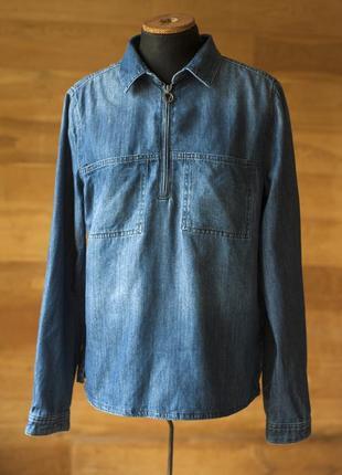 Cиняя джинсовая рубашка женская marco polo в минималистическом стиле, размер l, xl