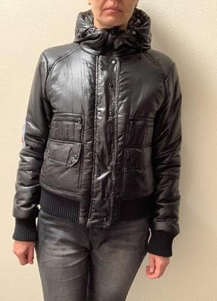 Женская куртка moncler оригинал 44-46 новая оригинал