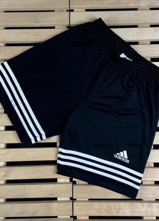 Мега крутые красивые мужские шорты adidas размер s