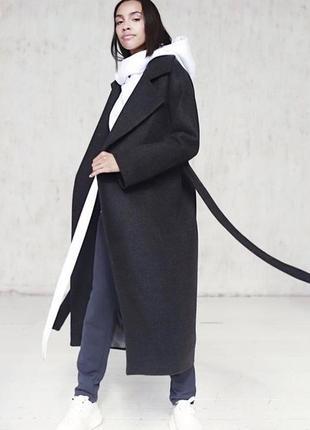 Шикарное длинное пальто в идеальном состоянии