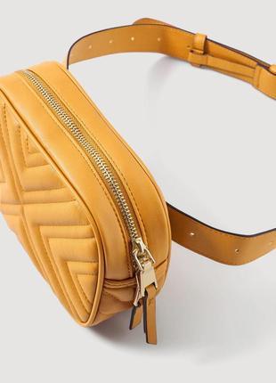 Новая сумка на пояс чебурек бананка  mango