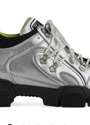 Кроссовки серебряные gucci flashtrek