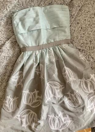 Платье коктейльное с карманами