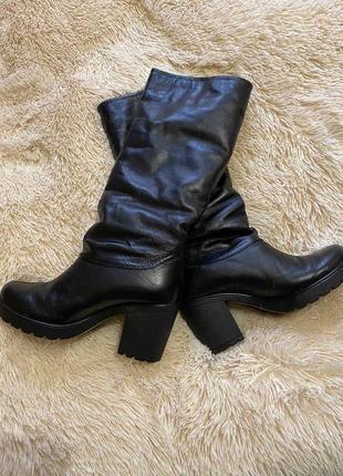 Шкіра сапожки на каблуку