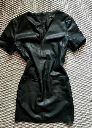 Платье экокожа zara