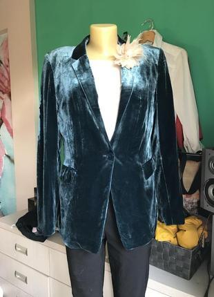 Нарядный велюровый пиджак от massimo dutti