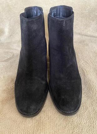 Осінні замшеві чобітки челсі clarks