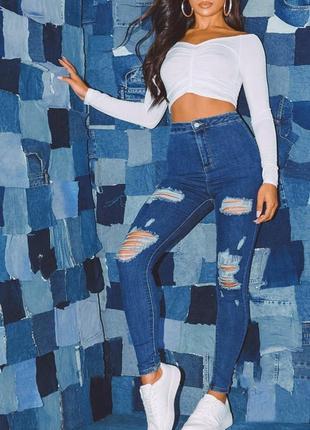 Новые джинсы с высокой посадкой prettylittlething