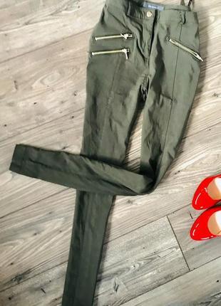 Красивие брюки хаки