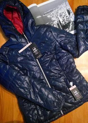 Alcott . приталенная куртка осень - еврозима с капюшоном . новая с бирочками .