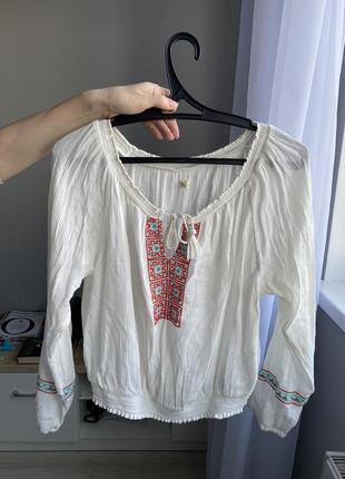 Блузка-вышиванка hollister