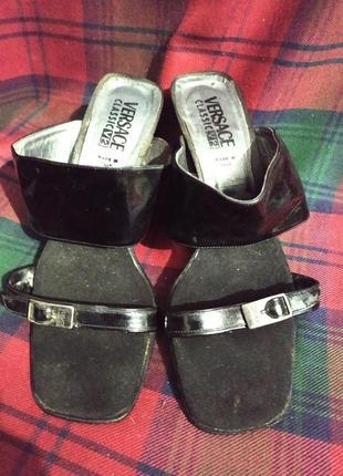 Шлепки на устойчивом каблуке versace classic v2 оригинал