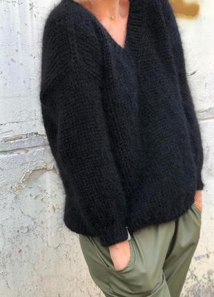 Чёрный базовый свитер оверсайз из мохера🤎