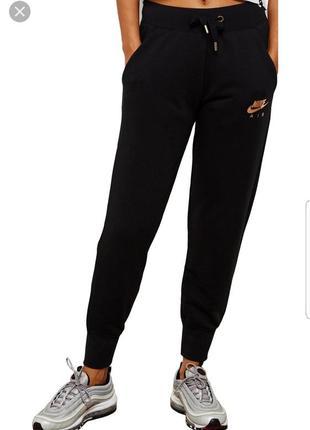 Черные спортивные штаны/брюки nike оригинал!