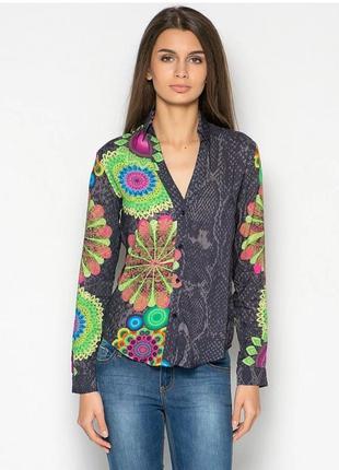 Лёгкая блуза в цветочный принт из вискозы