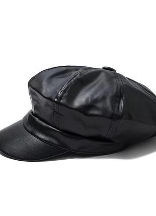 Женская кепка из искусственной кожи чёрный