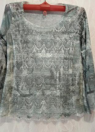 Нарядный свитерок с гипюром большого размера