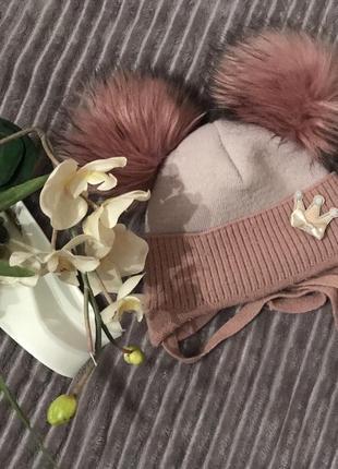 🌿тёплая шапка с помпонами и брошкой