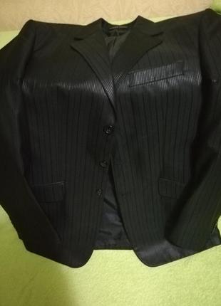 Мужской чёрный пиджак размер м, рост 182-187см