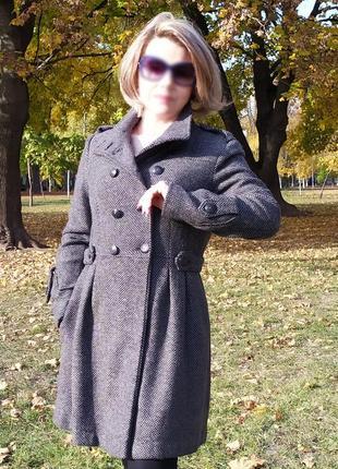 Двубортное шерстяное пальто mango