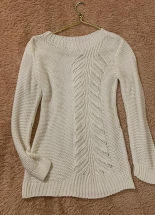 Вязаный свитер, белый