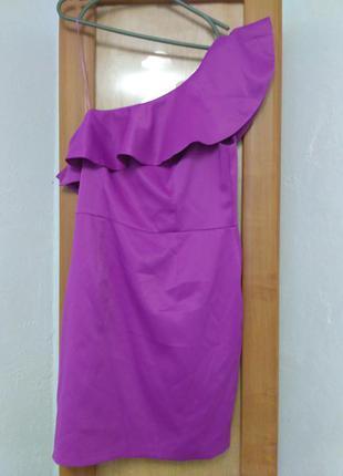 Шикарное платье цвета фуксия