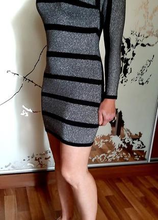 Серебристо-черное стильное платье -туника