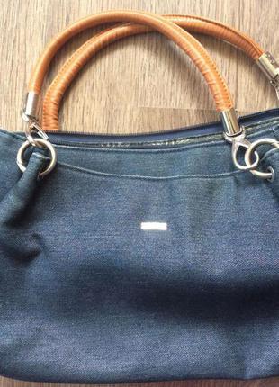 Прикольна джинсова сумка, яка пасує під усе