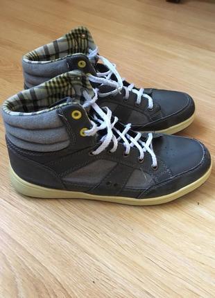 Демисезонные ботинки фирменные
