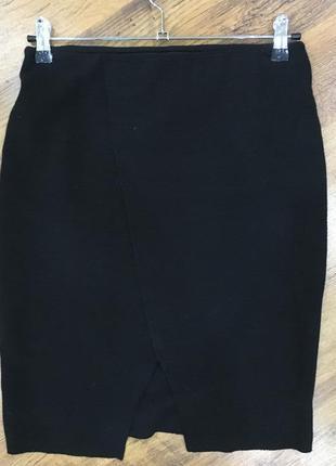 Черная юбка на резинке stradivarius