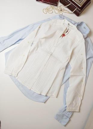 Рубашка белая без воротника с v-вырезом