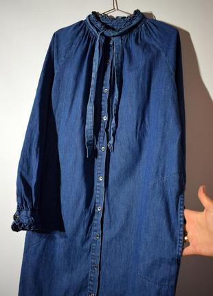 Джинсове плаття-сорочка оверсайз, з оборками і кишенями