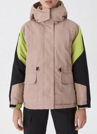 Куртка с капюшоном бежевая чёрная салатовый зелёная