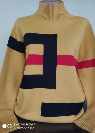 Теплый свитерок.