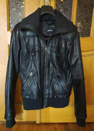 Кожаная куртка bershka s