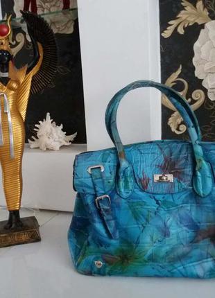 Очень красивая синяя сумка