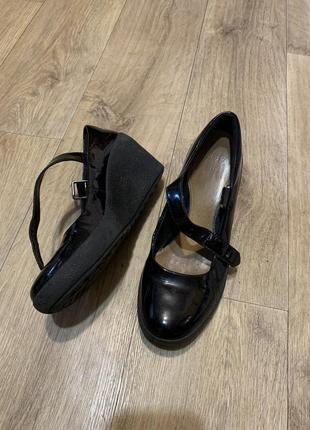Туфли с дышащей стелькой 38,5-39р