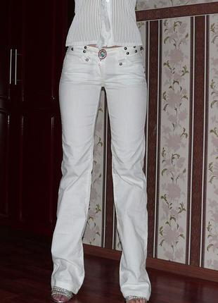 Белые летние джинсы  iceberg италия р. м. оригинал!