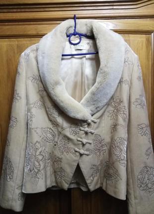 Вышитый велюровый пиджак курточка со съемным мехомым воротником вискоза шелк