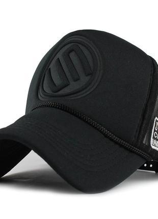 Кепка тракер логотип un с сеточкой, унисекс черный