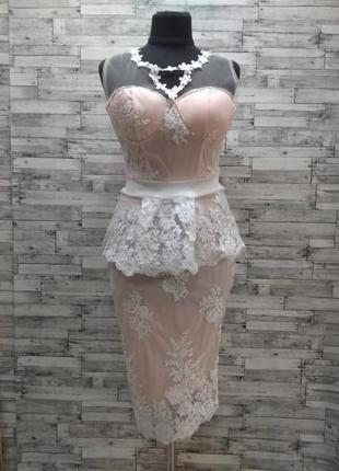 Шикарное кружевное платье на торжество